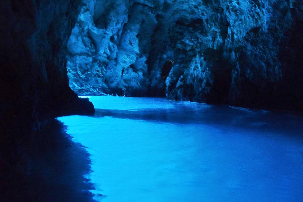 bluie cave, toru, bisevo